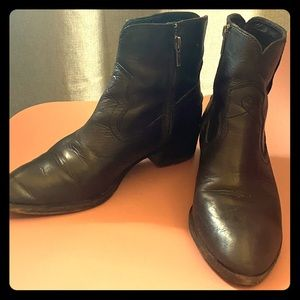 Frye boots, great condition, western flair, sz 8!